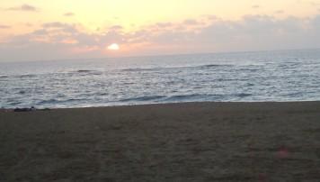 Crepúsculo en playa de Las Canteras de Las Palmas de Gran Canaria./HANAH VALENTÍN