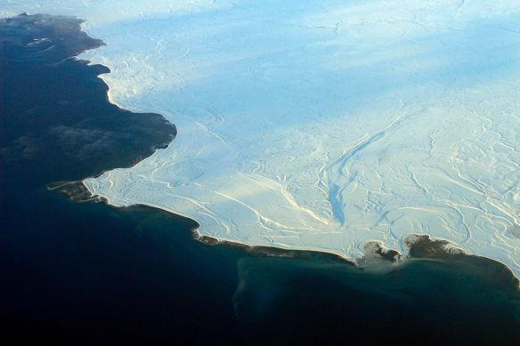 1024px-Aerial_view_of_the_edge_of_the_ice_in_Nunavut_2.jpg